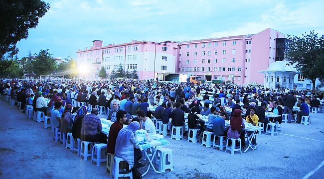 İFTAR SOFRASI HAMİDİYE MAHALLESİ'NDE